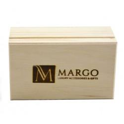 Firmowe drewniane pudełko 24,5 x 17,5 x 9 cm.